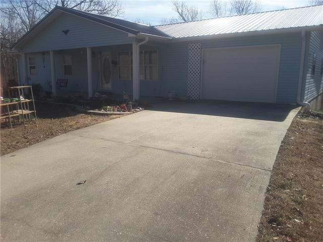 Uneven, Cracked Driveway Fixed with PolyLevel in Wappapello, MO