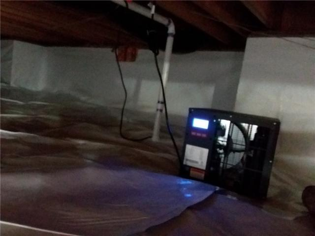 Crawl Space Cleaning in Farmersville, Illinois