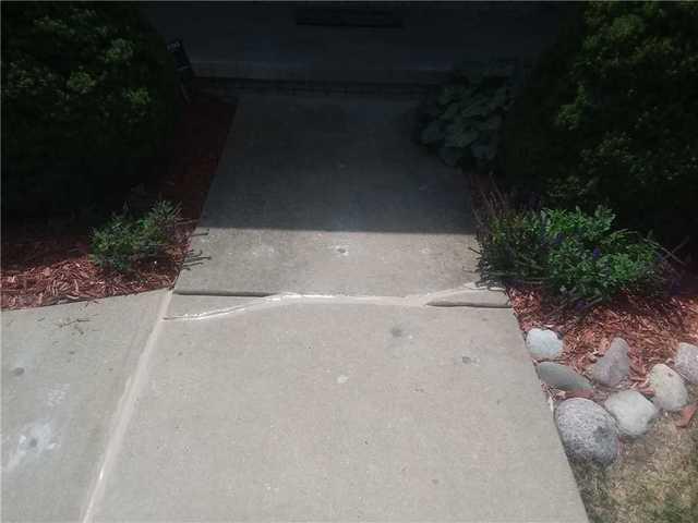 Springfield, IL Walkways Leveled