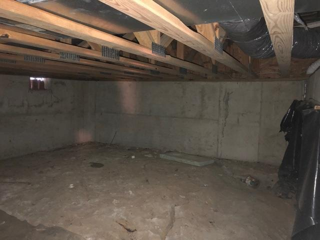 Dirty Carterville, IL Crawl Space Transforms with CleanSpace