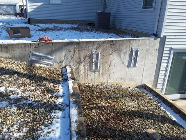 Glenarm, IL Retaining Wall Supported With GeoLock