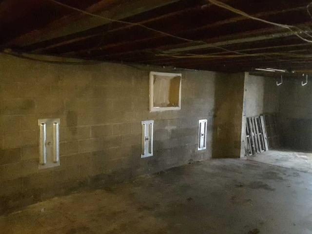 Straightening Foundation Walls in Kennett, MO
