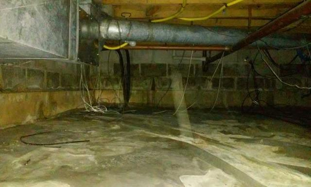 Installing CleanSpace Liner in Zeigler, IL Crawl Space