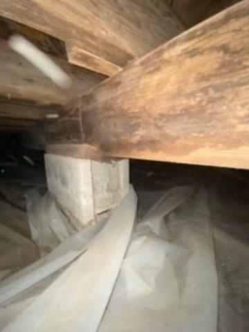 Salem, IL Crawl Space Cleaned & Secured with CleanSpace & SmartJacks