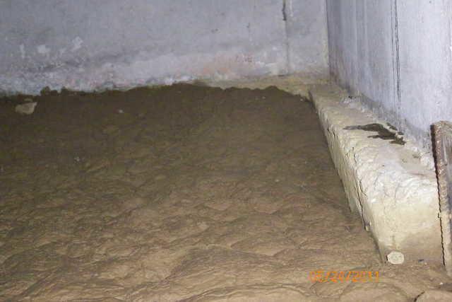 Muddy Crawl Space in O'Fallon IL