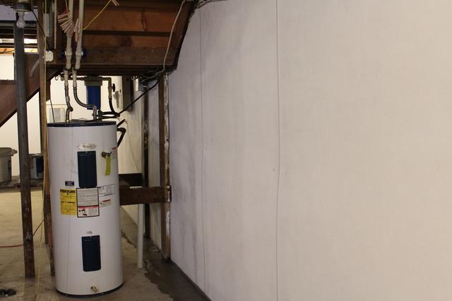 Repairing Leaky Basement Walls in Worden, IL