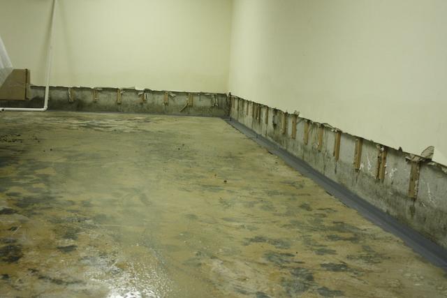 Waterproofing installation in Saint Louis