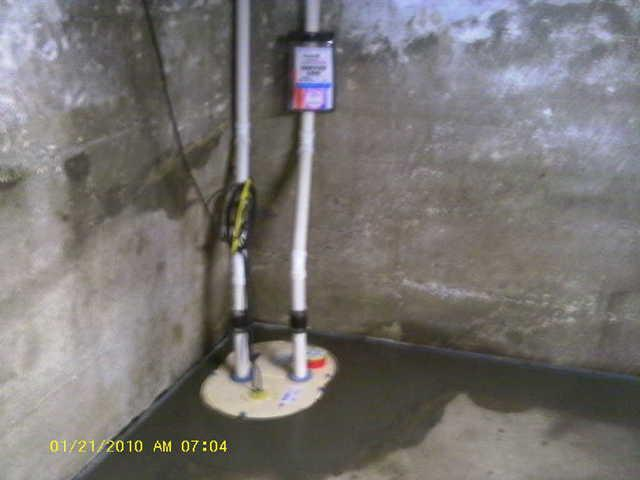 Sump pump with battery back up installed in Litchfield, IL basement