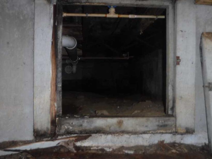EverLast Door added to Crawlspace - Before Photo