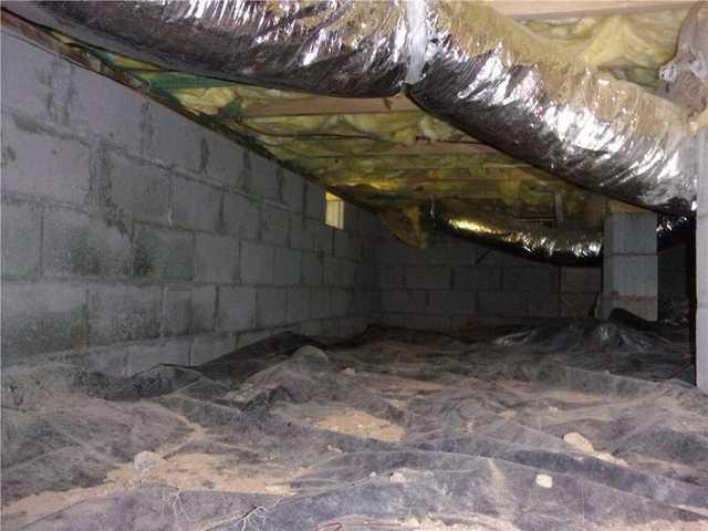 Crawlspace Encapsulation With Vapor Barrier in Rabun Gap, GA