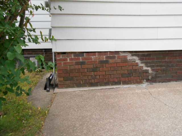 Sinking Foundation in Tomah, WI - Before Photo