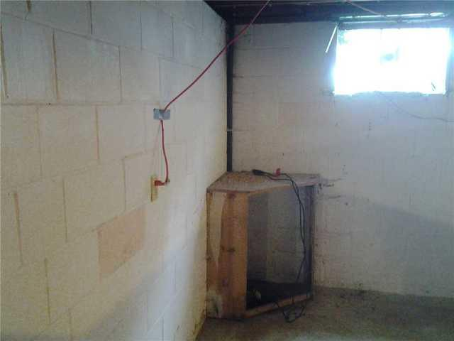 Water Leakage in Nora Springs, IA Basement