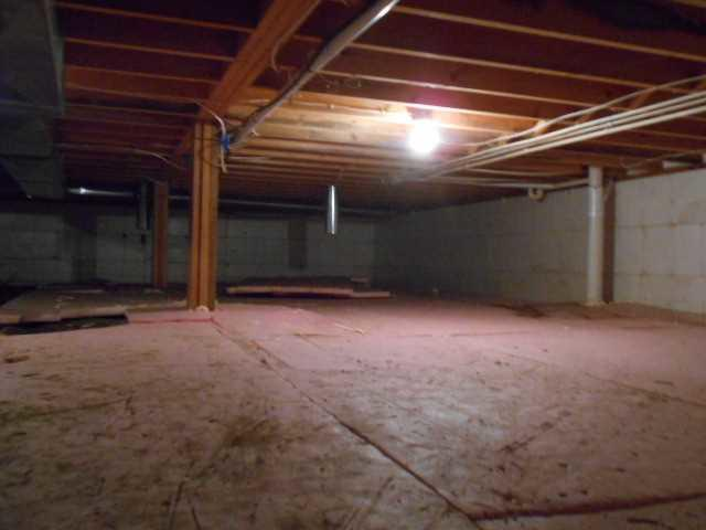 Crawl Space Transformation in Fountain City, WI