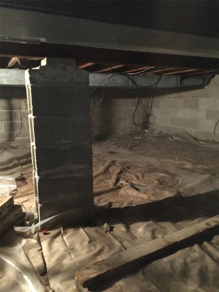 Kenosha Crawlspace - Before Photo