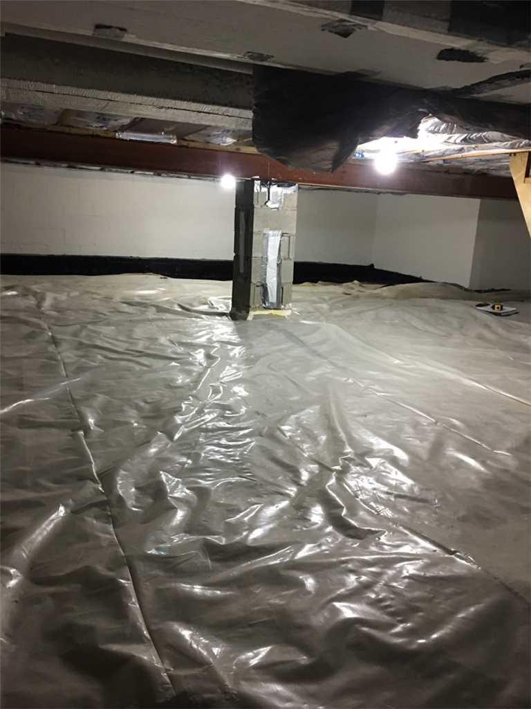 Fixing Crawl Space Leakage in Shadyside, OH - Before Photo
