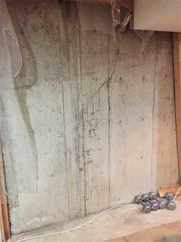 Polyurethane Injection Solves Leaking Crack Issue in SW Calgary, AB