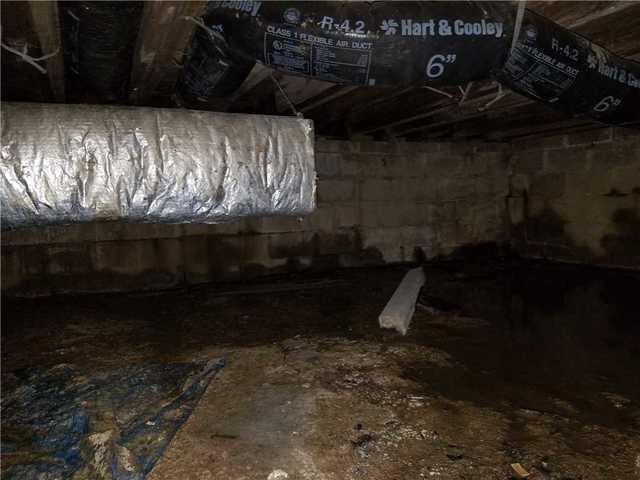 Wet Crawl Space in Wilmington, DE