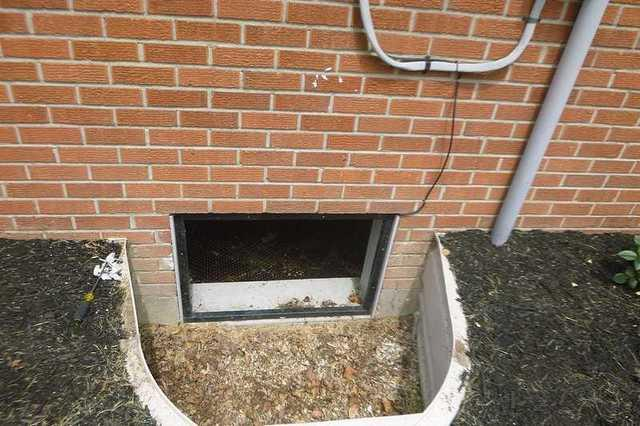 Crawl Space Repair with EverLast Window in Smyrna, DE