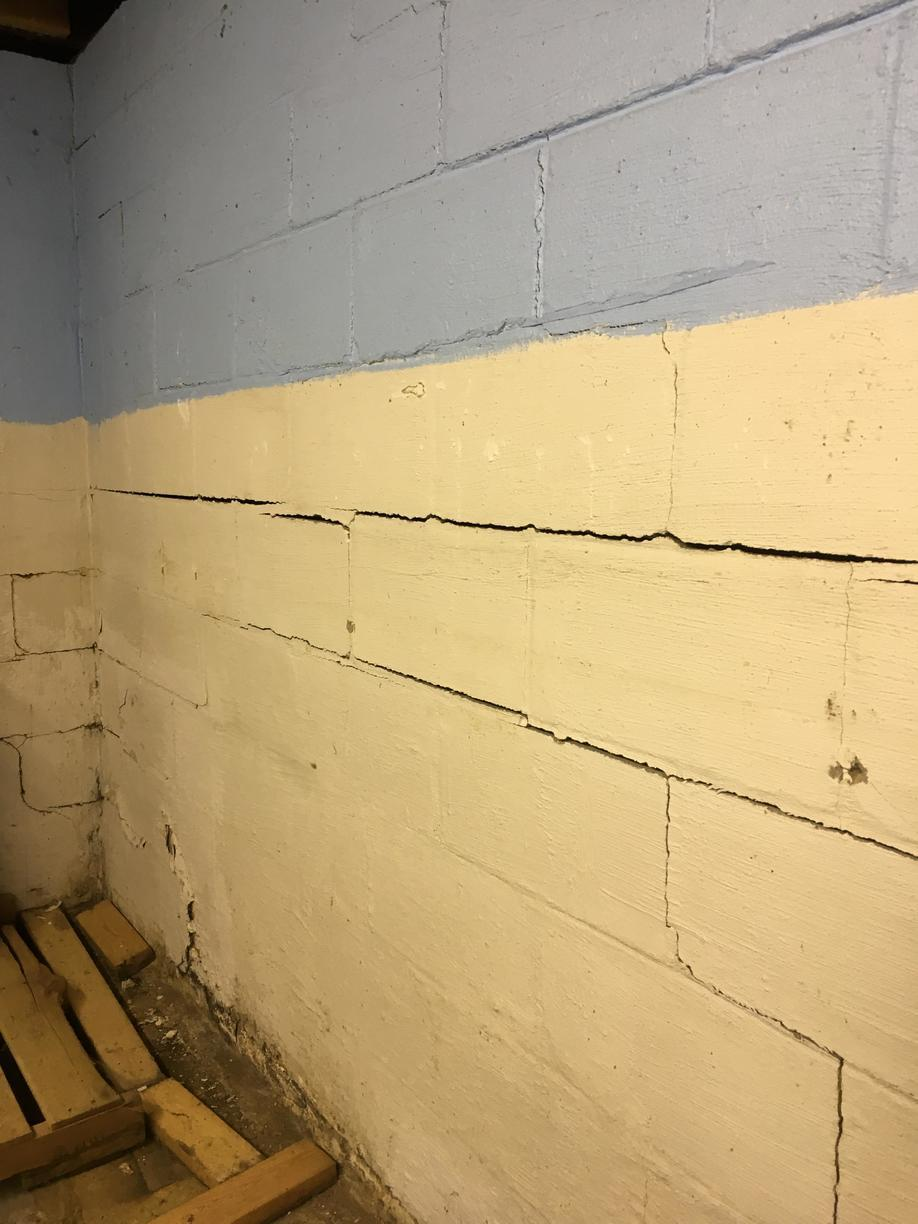 Bowing & Cracked Wall in Lewisport, KY - Before Photo