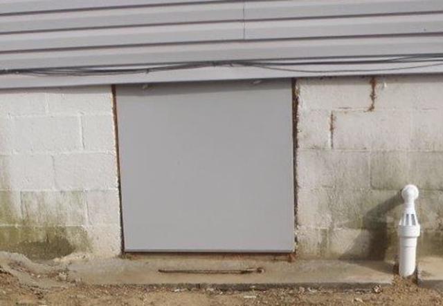 Wadesville, IN: A Crawlspace Door for Christmas