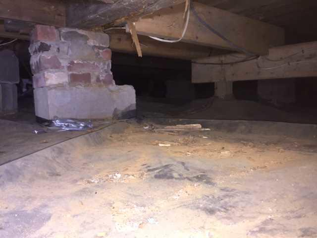 Crawl Space Vapor Barrier in Edgartown, MA