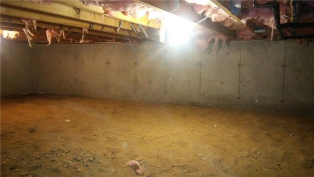 Truro, MA Crawlspace Gets Vapor Barrier