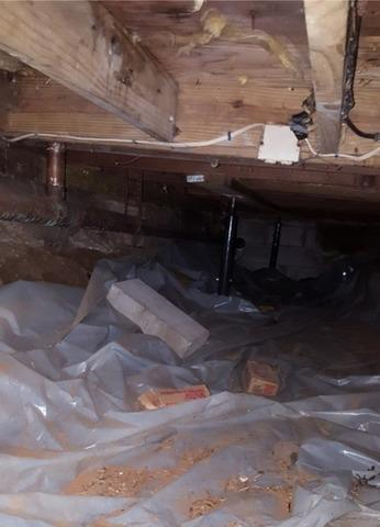 Nasty Crawlspace in Wood River Junction, RI