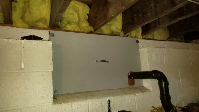 Crawl space access repair needed in Allentown