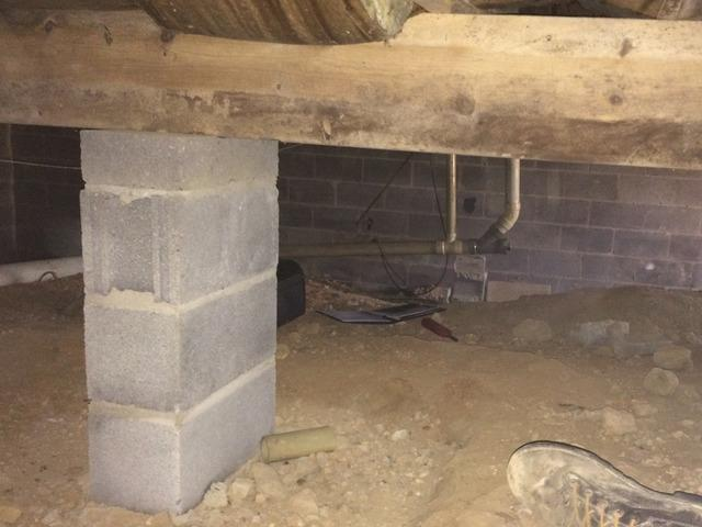 Big Stone Gap, VA Crawlspace Gets the Master Services Four-Star Treatment