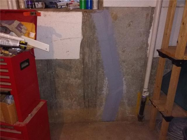 Leaky Basement Crack in Staten Island, NY