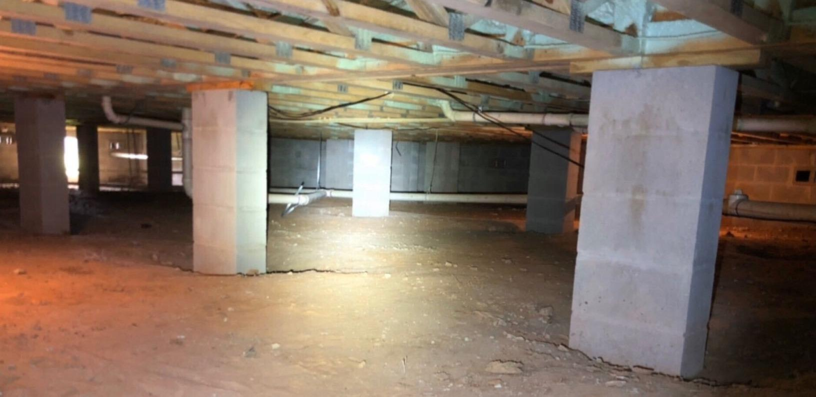 Crawl Space Encapsulation in Tallahassee, FL - Before Photo