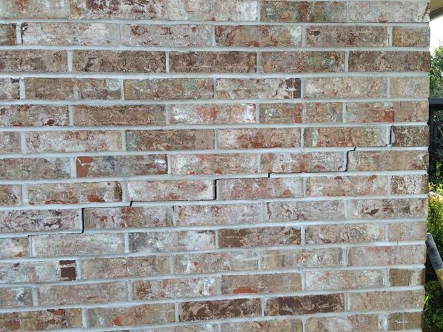 Cracked Brick Settlement in Orange Park, FL