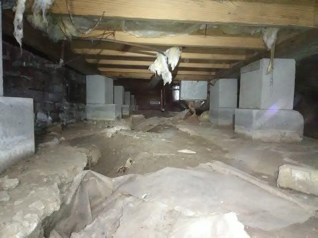 Damp & Drafty Crawl Space in Lake Village, AR