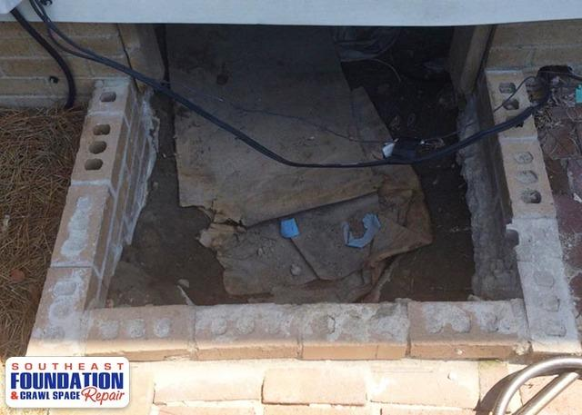 Nasty Crawl Space Entry to a Nice Clean Turtl in Goldsboro, NC