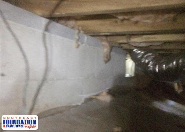 Cleaning up a Dirty Crawl Space in Garland, NC