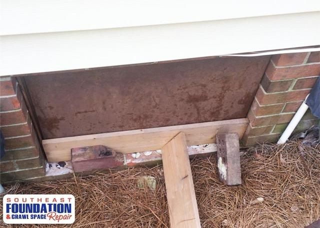 Installing a Custom Crawl Space Door in Pink Hill, NC