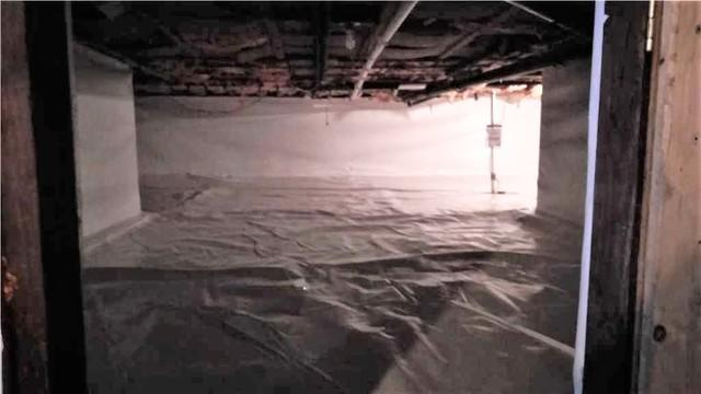 Crawl Space with CleanSpace in Panton, Vermont