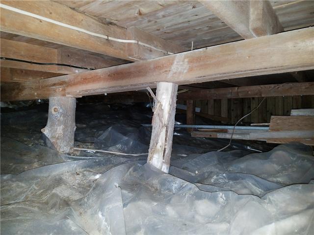 Crawl Space Encapsulation in Vergennes, Vermont - Before Photo