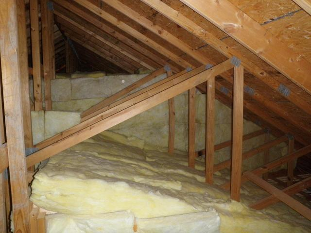 Magnolia Attic Kneewall Insulation