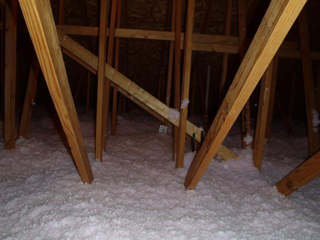 Blown In Fiberglass Insulation Helping Milton, Delaware Homeowner
