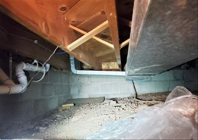 Musty Crawlspace Sealed in Duluth, MN