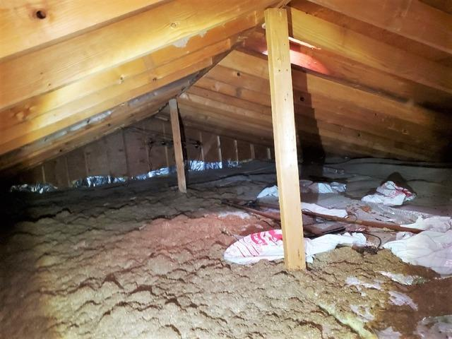 Poplar, WI Homeowners Increase Year-Round Comfort with Attic Insulation