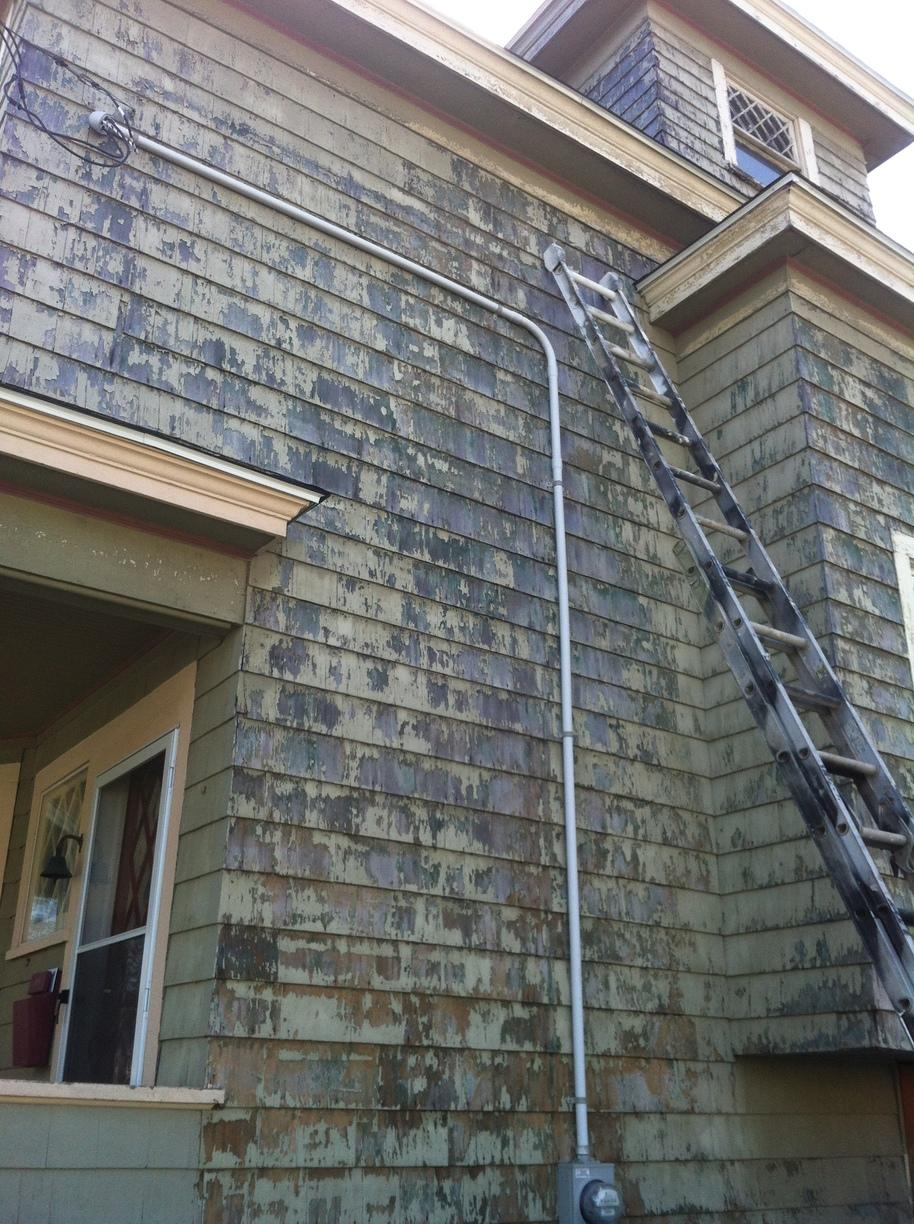 A Severely Peeling Home in Milford, CT - Before Photo