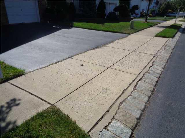 Concrete Driveway Apron Replacement in Holmdel, NJ