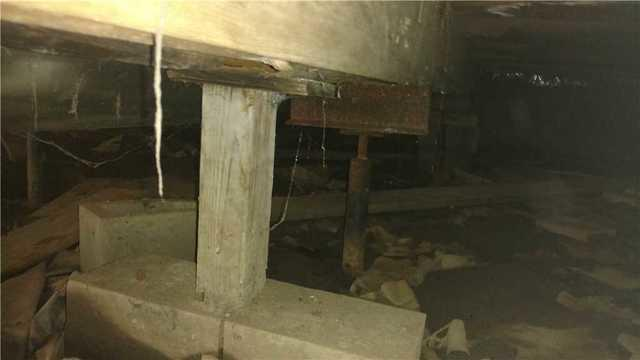 Floor Sagging? A crawl space  Smart Jack install can Fix That!
