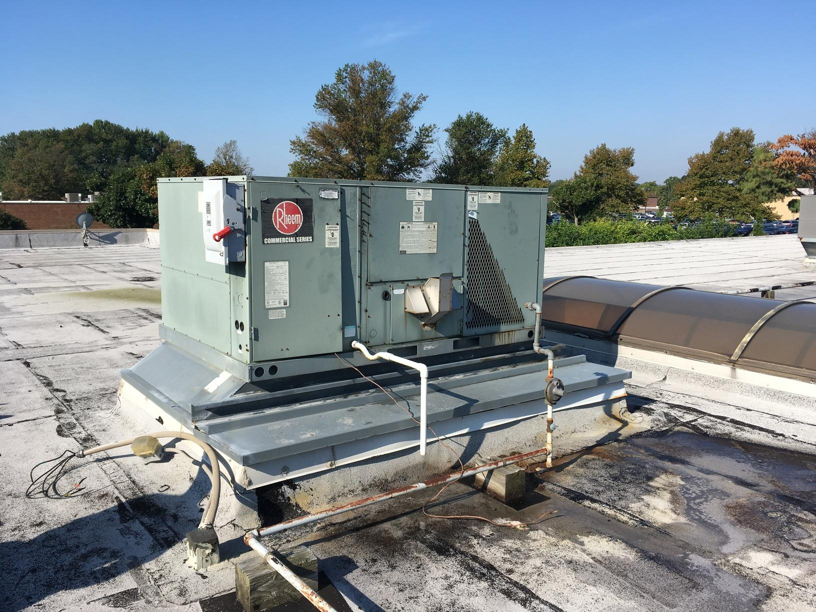 Commercial Rooftop Air Conditioning Replacement - Before Photo