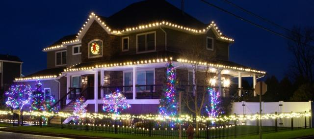 Bringing Out the Holidays in Keyport, NJ