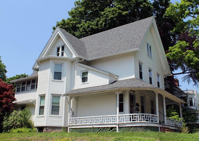 Professional Roof Replacement in Willimantic, CT