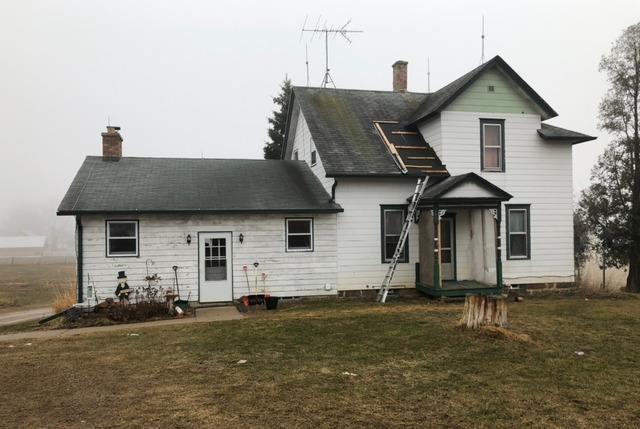 Farmhouse Roof Replacement in Portage