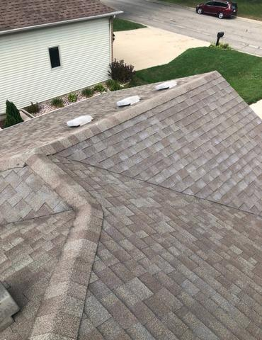 Roof Replacement in Sun Prairie - Before Photo